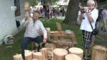 Dřevorubecký sport, či socha motorovou pilou.