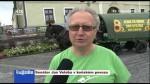 Senátor Jan Veleba v koňském povozu